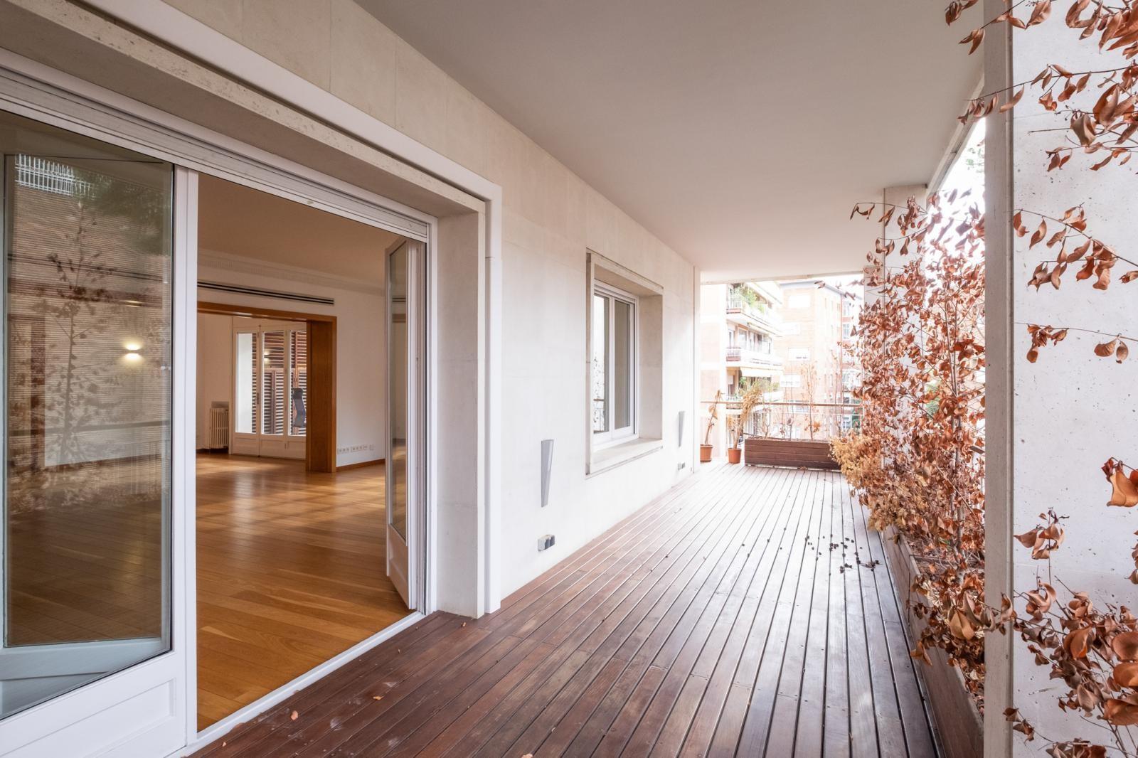 MG Inmobiliaria Barcelona - piso-tres-torres-1650