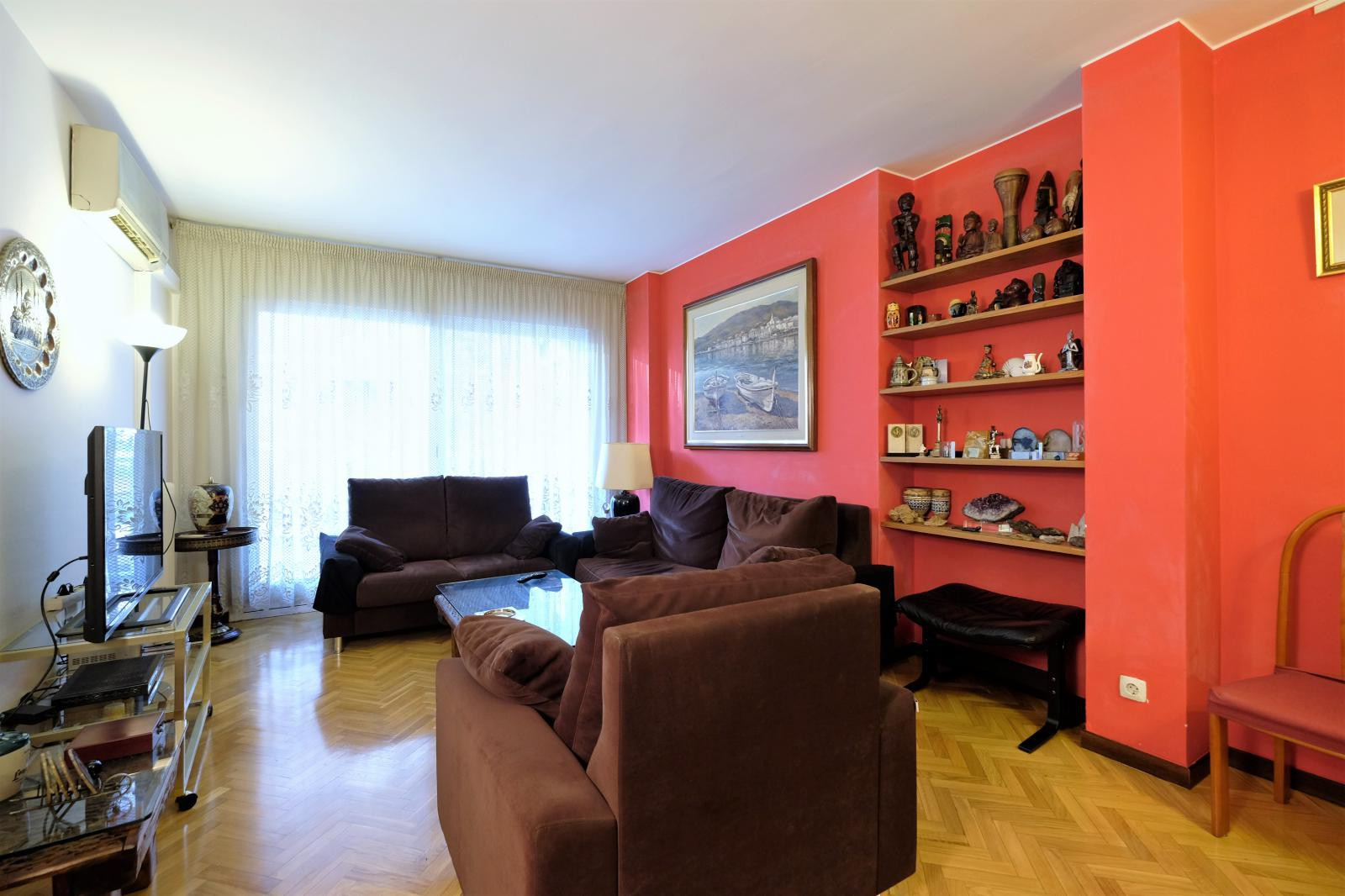 MG Inmobiliaria Barcelona - junto-plaza-kennedy