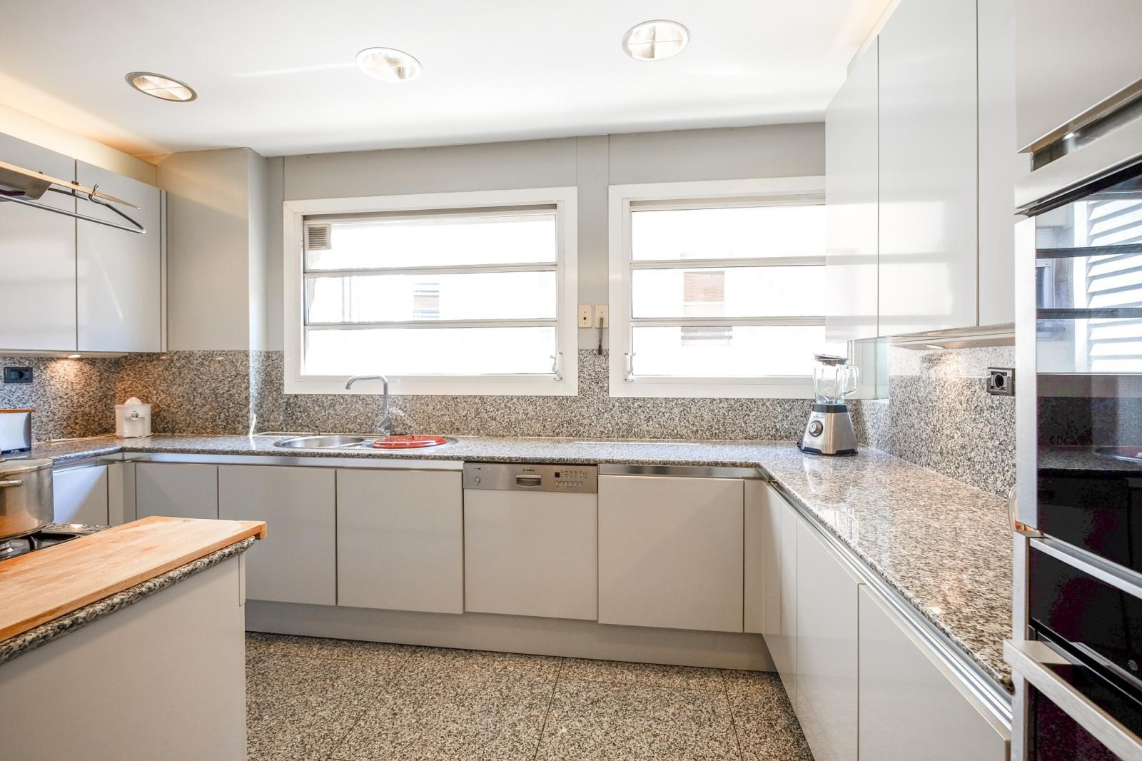 MG Inmobiliaria Barcelona - tres-torres-zona-alta-piso-teresianas-978