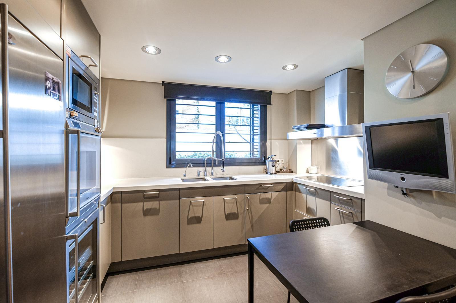 MG Inmobiliaria Barcelona - piso-tres-torres-1649