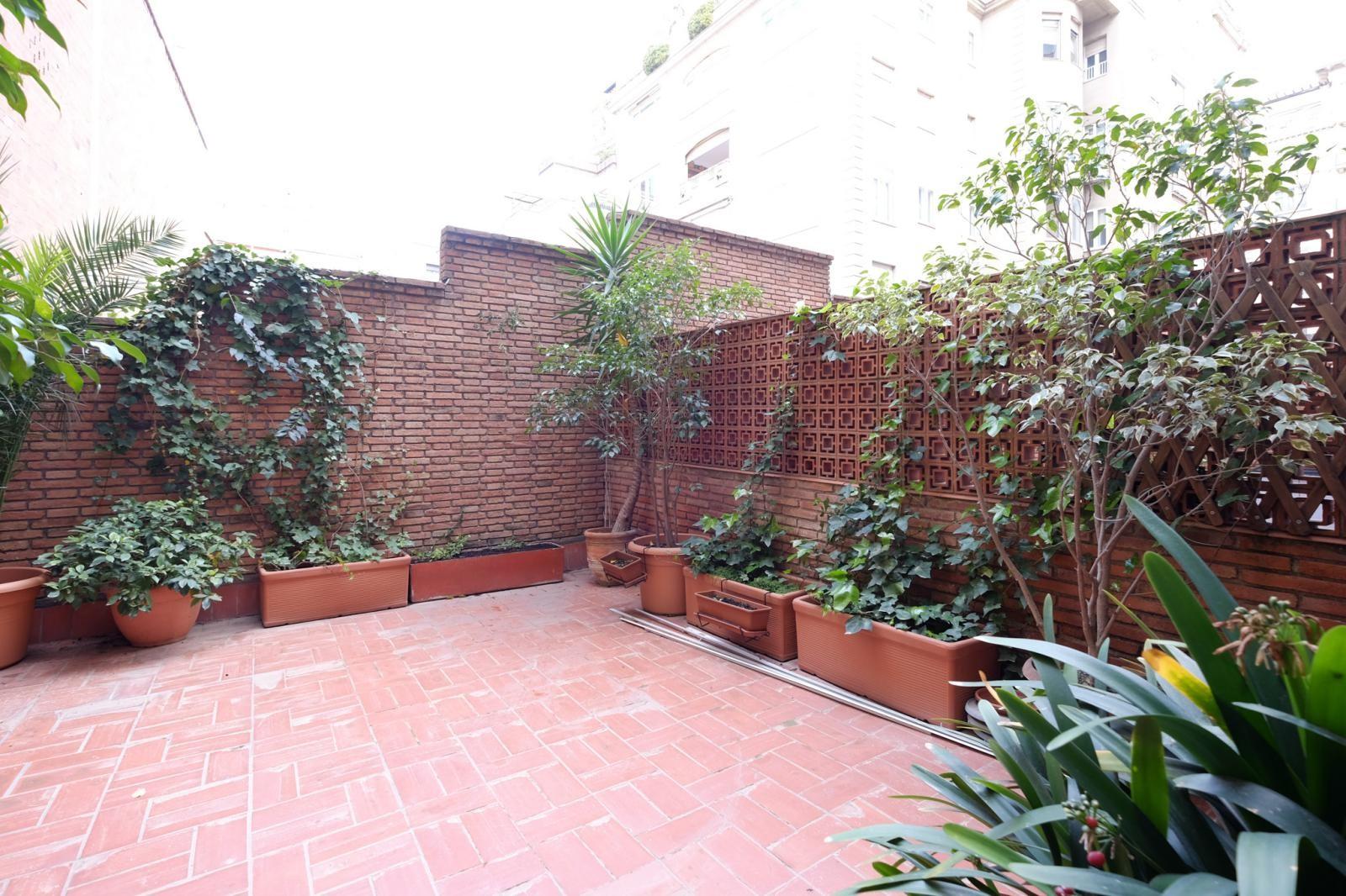 MG Inmobiliaria Barcelona - plaza-adriano