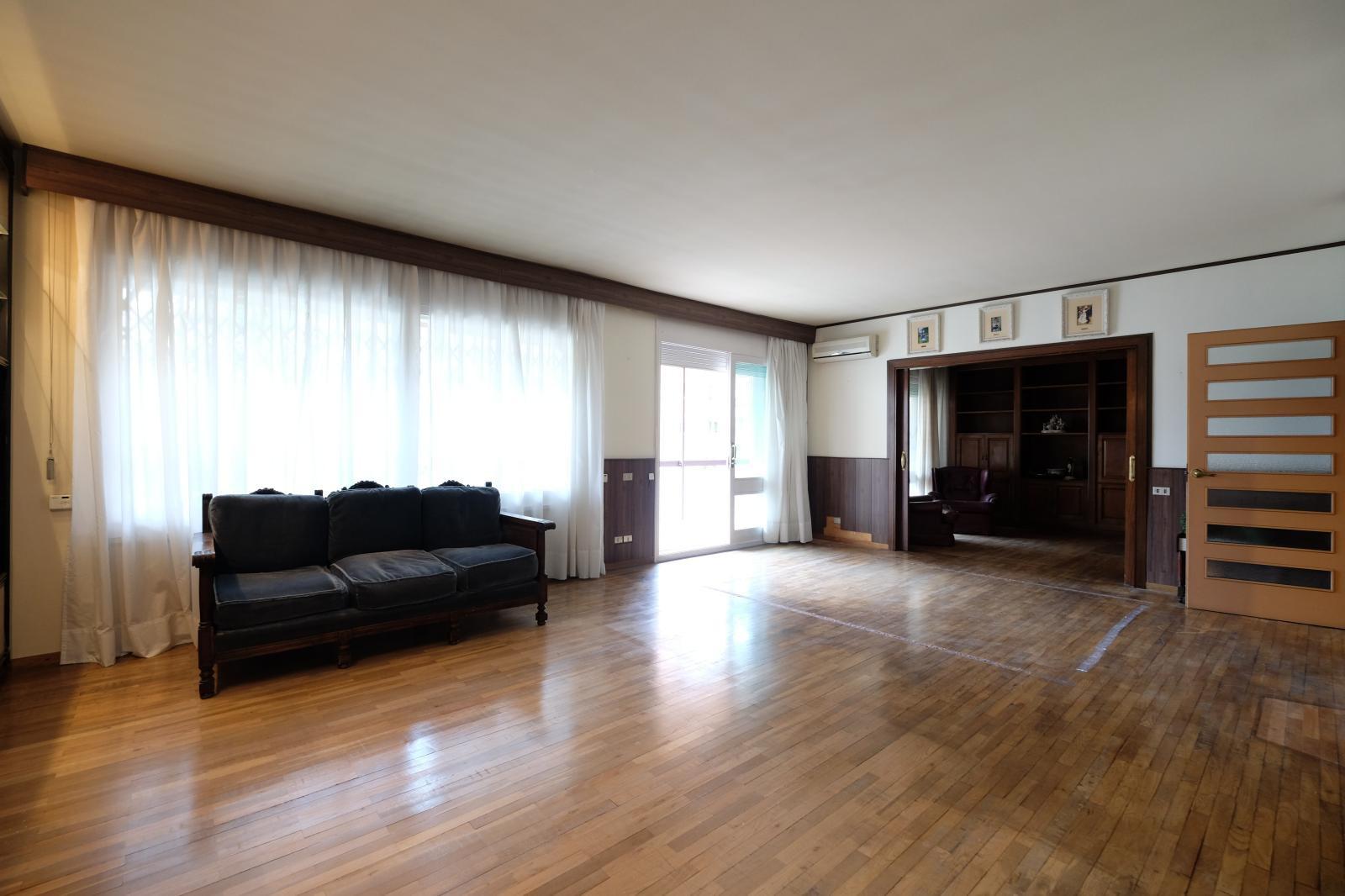 MG Inmobiliaria Barcelona - piso-tres-torrres-vergos-zona-alta