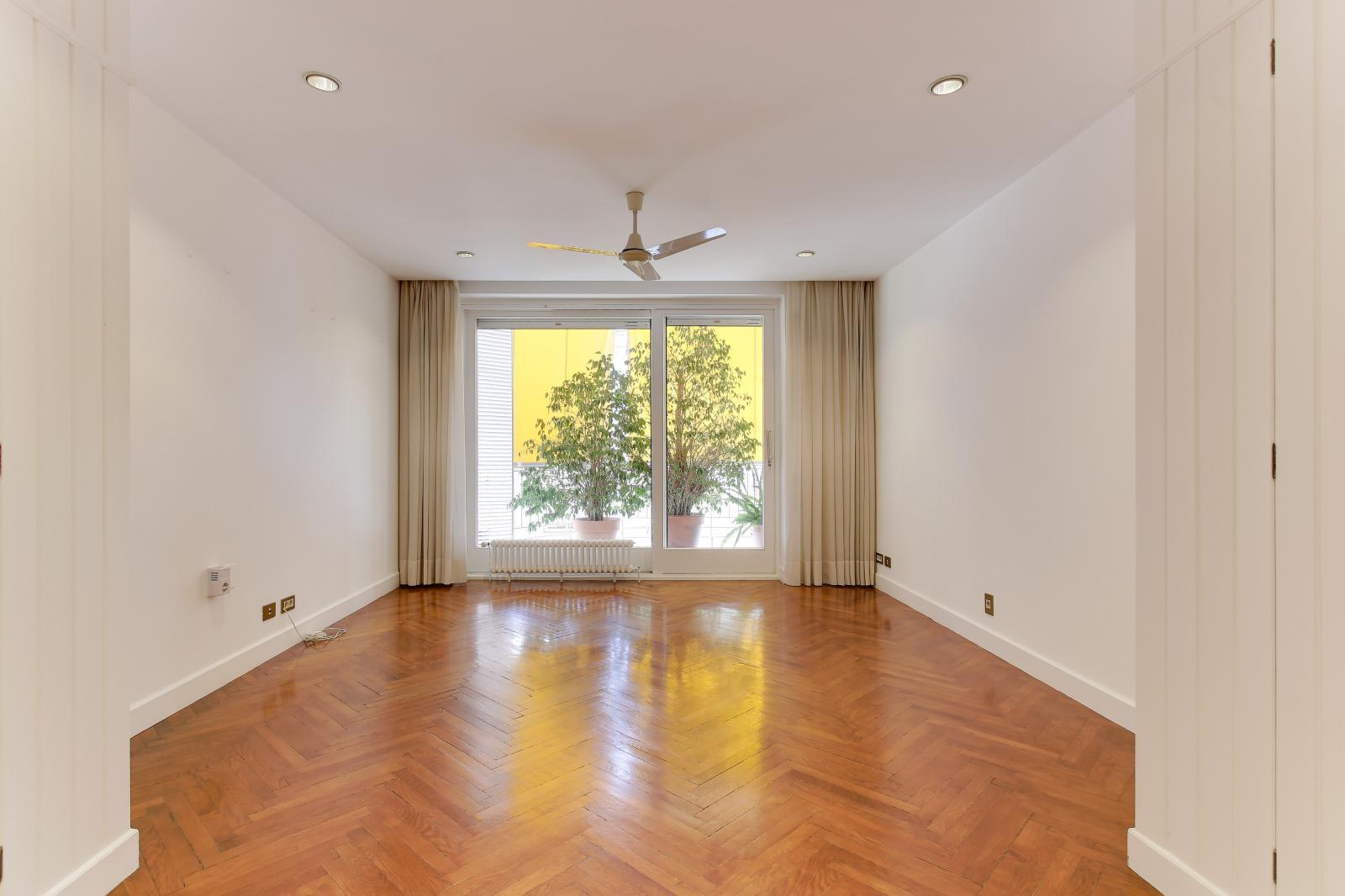 MG Inmobiliaria Barcelona - turo-park-jto-ferran-agullo