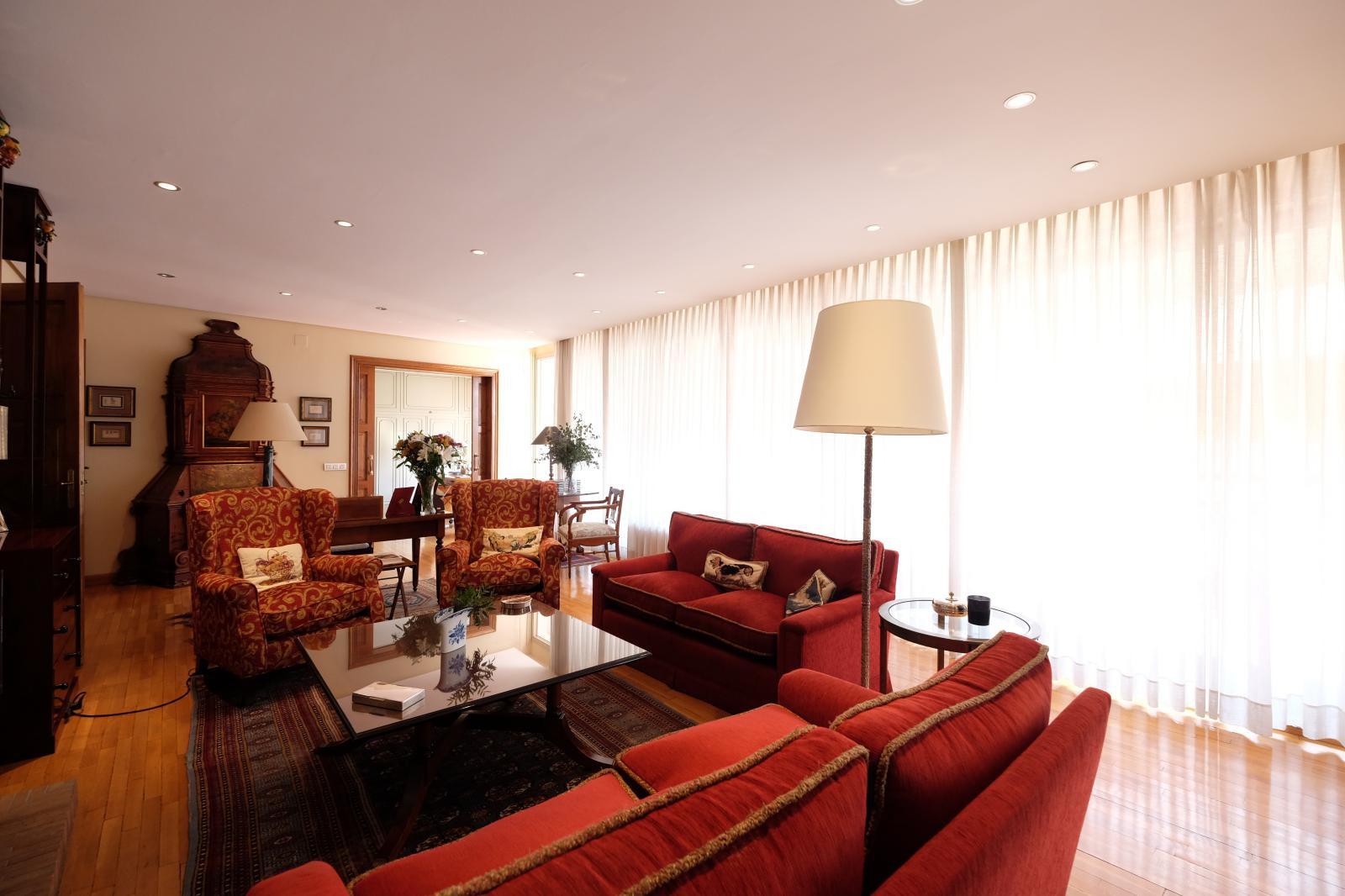 MG Inmobiliaria Barcelona - turo-park-reina-victoria-sarria-sant-gervasi