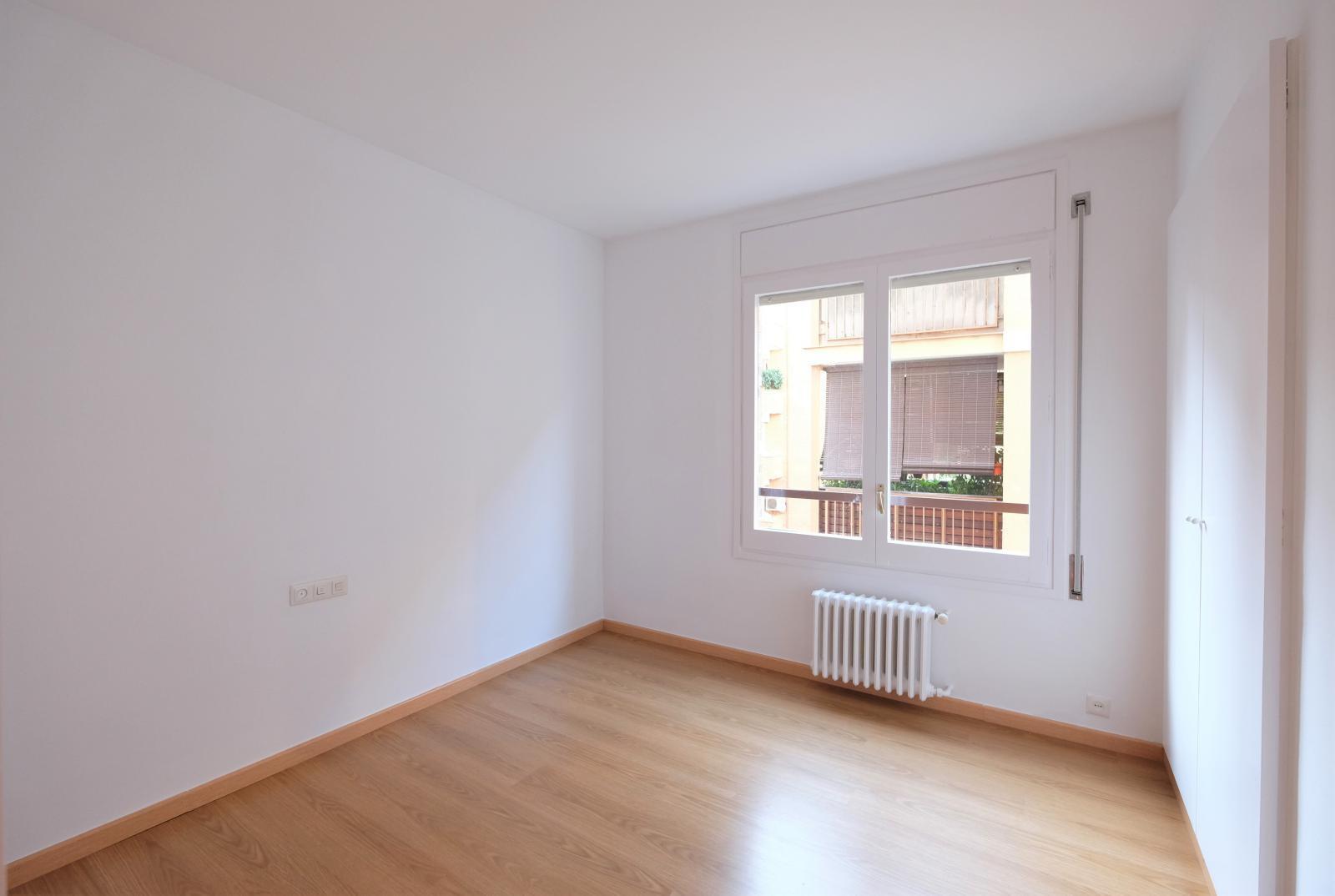 MG Inmobiliaria Barcelona - via-augusta-junto-vergos-angli
