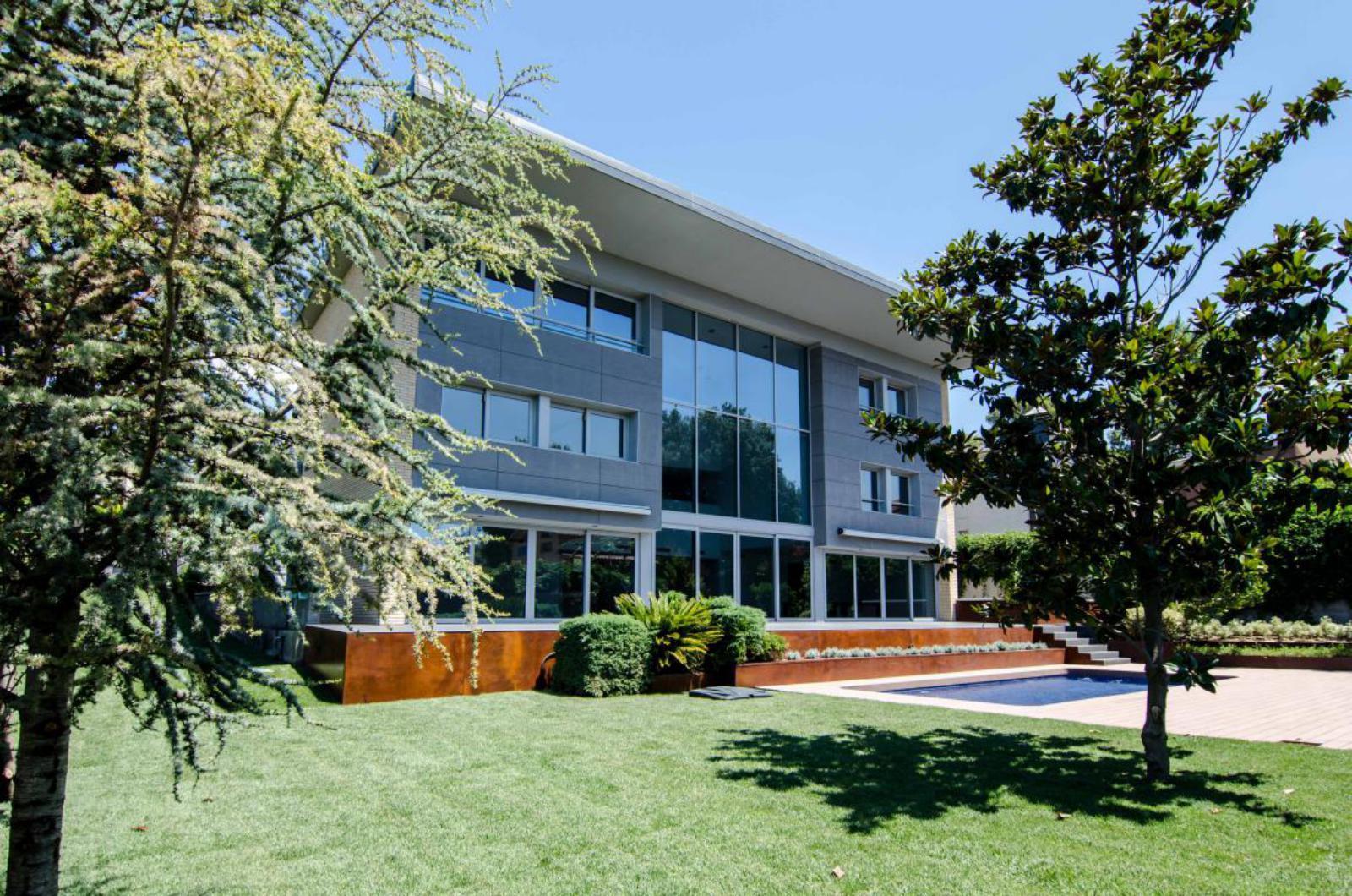 MG Inmobiliaria Sant CUgat - arquitectura